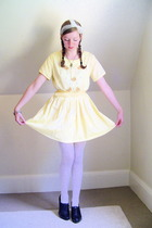 white thrifted tights - black Nine West shoes - yellow 50s vintage dress