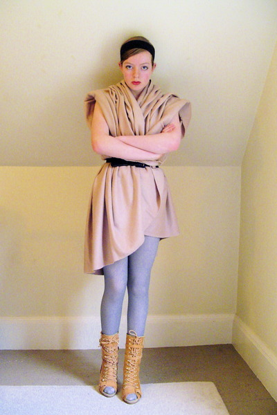 DIY dress - old belt - Primark tights - Steve Madden boots - DIY accessories