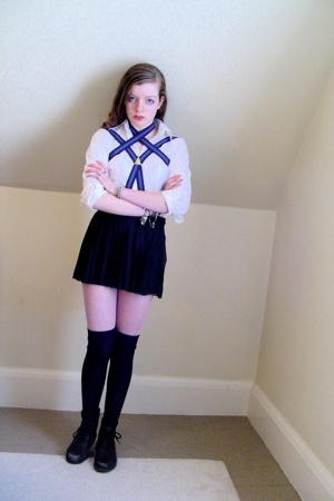 H&M shirt - borrowed accessories - H&M skirt - old bracelet - H&M socks - thrift