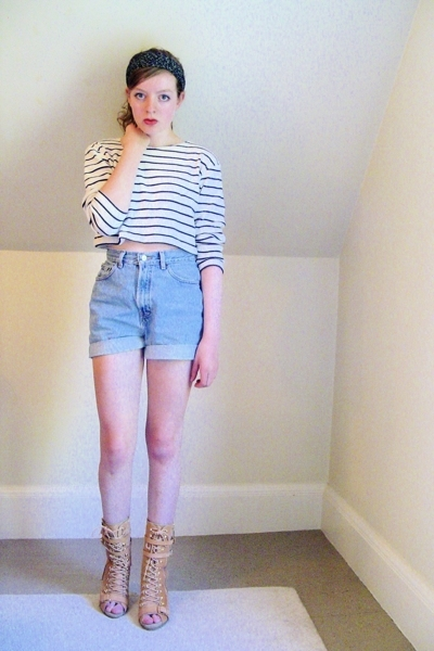 thrifted top - secondhanddiy shorts - Steve Madden boots - H&M accessories