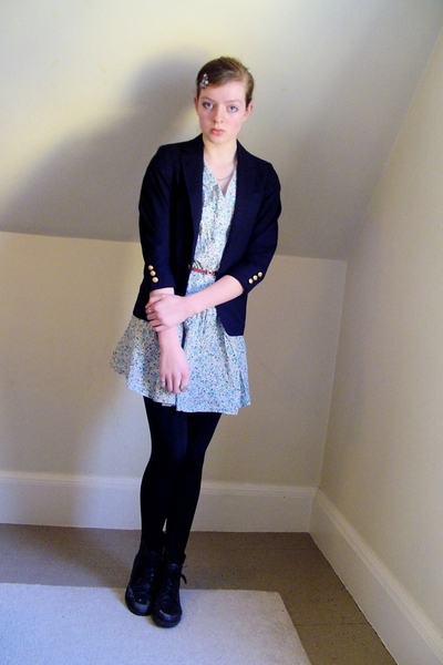 thrifted blazer - Primark dress - H&M belt - CVS tights - thrifted boots - vinta