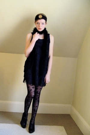 H&amp;M dress - H&amp;M tights - Nine West shoes - DIY accessories - vintage accessories