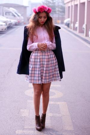 light pink Boohoo skirt
