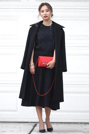 red Nina bag - black Nina heels - silver Nina bracelet