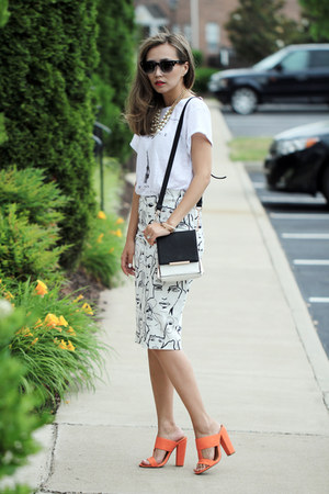 black Polette sunglasses - white lulus bag - carrot orange lulus sandals