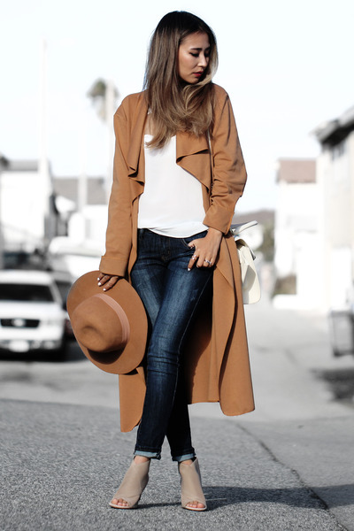 camel lulus hat - orange Lyli Lulu coat - navy 2020AVE jeans