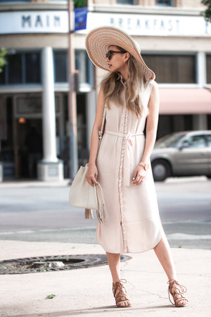 nude Oasis dress - camel Oasis hat - eggshell NY&Company bag