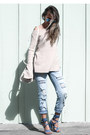 Light-blue-ny-compsny-jeans-ivory-acne-sweater-ivory-poupee-de-papier-bag