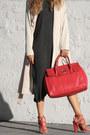 Peach-sheinside-coat-red-nuciano-bag