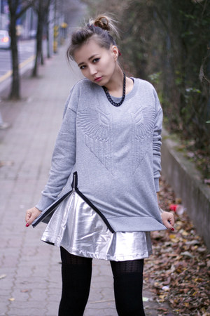 silver elastic Forever 21 skirt - heather gray knit Forever 21 sweater