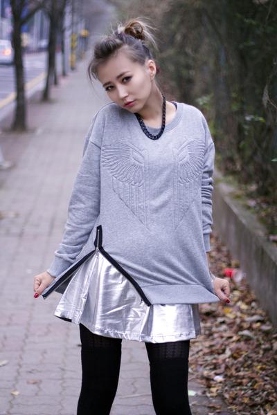 silver elastic Forever 21 skirt - heather gray knit Forever 21 sweater