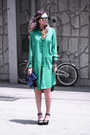 Green-front-row-shop-dress-navy-yesimfrench-bag-black-zappos-sandals