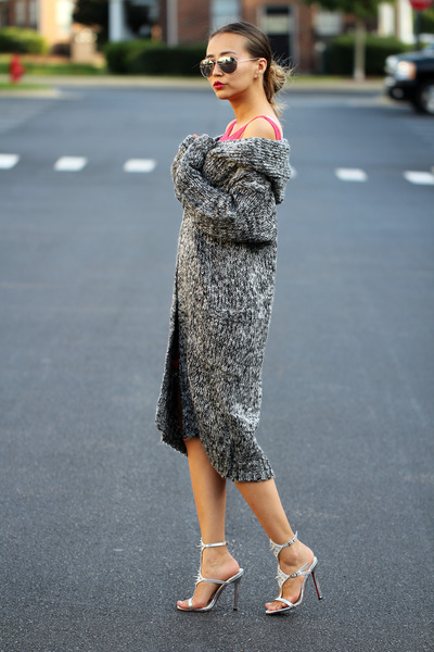 gray knitted Sheinside cardigan - hot pink lace Yesfor dress