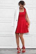 red Lulus dress - red NIna Shoes bag - red Lulus sandals