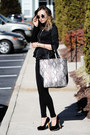 Black-yoins-blazer-silver-yoins-bag-gold-tobi-accessories