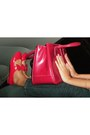 Red-hot-red-flats-chartreuse-lame-geen-blazer-ruby-red-hot-red-bag