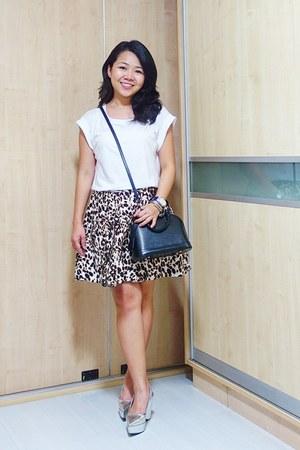 silver Silver heels - white Mango t-shirt - dark brown animal print Zara skirt