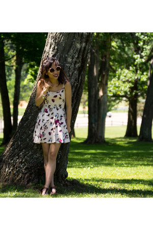 light pink H&M dress
