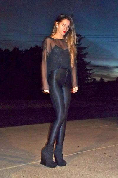 black vintage top - dark gray American Apparel leggings - black Bakers wedges