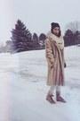 Tan-fur-vintage-coat-camel-thrifted-vintage-boots-silver-gap-jeans