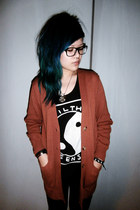 burnt orange cardigan - black printed top vest