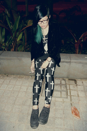 black cross leggings leggings