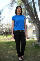 blue blouse