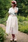 Bubble-gum-ombre-rabbit-heart-shop-tights-off-white-bodyline-shoes