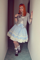 light blue Bodyline skirt - heather gray jennyfer cardigan
