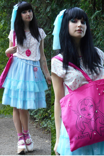 hot pink hand painted RABBIT HEART shop bag - off white Bodyline shoes