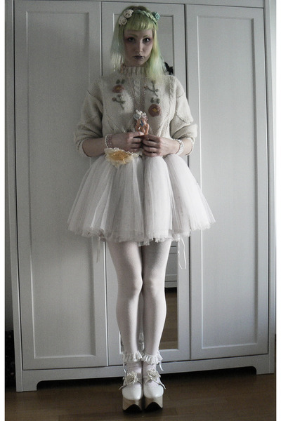 white handmade by me skirt - off white rhs Bodyline shoes