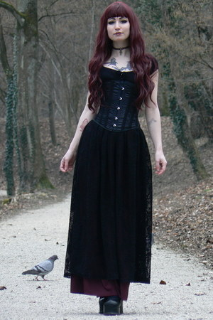 black goth long handmade skirt - black Demonia heels