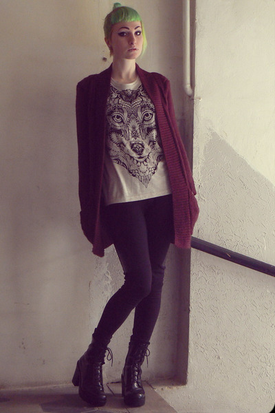 beige wolf Ann Christine t-shirt - black vagabond shoes - maroon Pimkie sweater