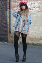 light blue Levis jacket - black platforms Jeffrey Campbell boots