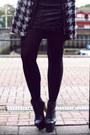 Ivory-dog-tooth-vj-style-coat-black-zerouv-sunglasses