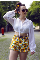 white crop Frolicking with Clementine shirt - yellow OASAP shorts