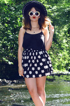 black Hearts and Bows skirt - white Roses and Clementines sunglasses