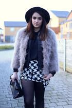 white houndstooth Chicwish skirt - black chunky heel Mart of China boots