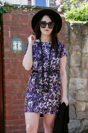 deep purple Great plains dress - black zeroUV sunglasses