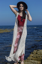 crimson Glamorous top - off white Missguided cardigan