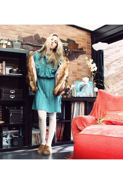 vintage dress - Knnebec shoes - H&M coat - Primark tights