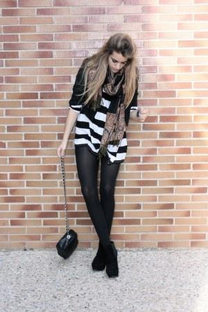 H&M shirt - Primark shoes - Zara jacket - Ulanka bag
