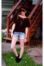 Black-h-m-shirt-forever-21-shorts-black-minnetonka-boots-leopard-bag-uo-