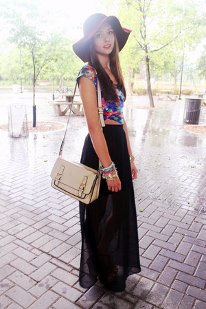 black maxi Urban Planet skirt - maroon floppy Forever 21 hat