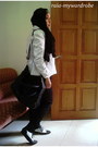 Black-unbranded-scarf-white-minimal-blazer-black-hana-bag