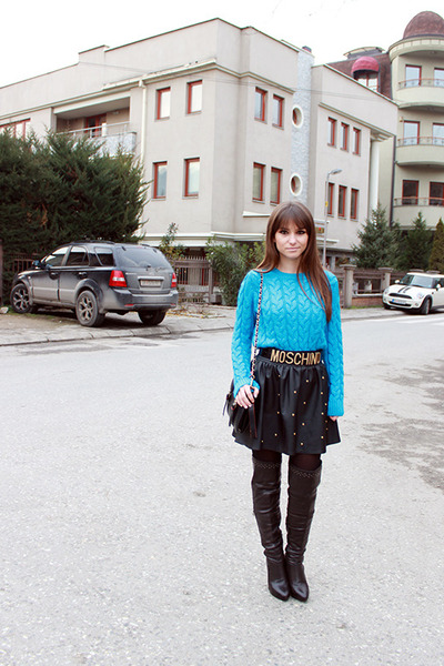 blue OASAP sweater - black chicnova bag - black romwe skirt