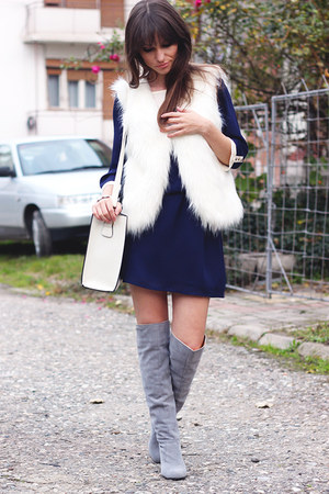 white faux fur Chicwish vest - heather gray suede Dressve boots