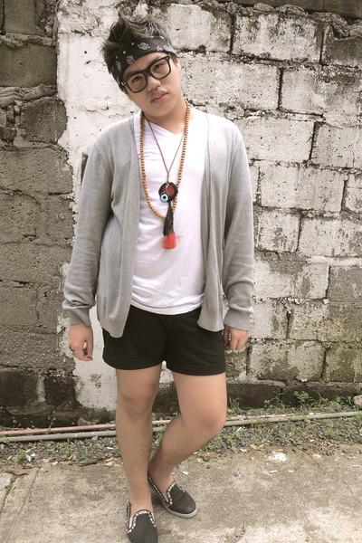 crochet House of Rocks necklace - dark gray Forever 21 shorts