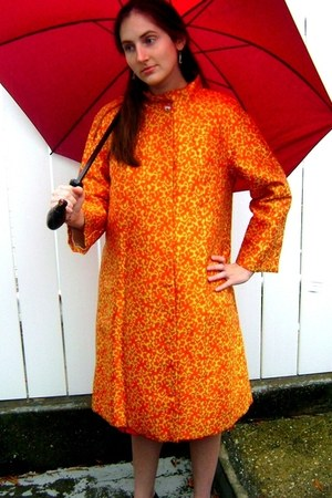 orange Lawrence of London coat - ruby red Aramis accessories - vintage coat