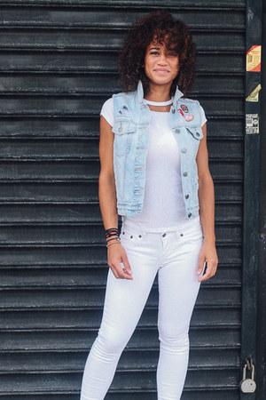 sky blue reworked Gap vest - white Levis jeans - white reworked H&M t-shirt